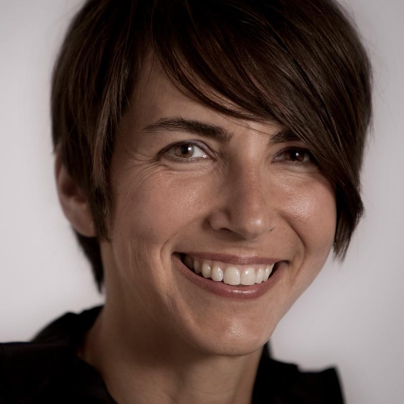 Suzanne Martineau
