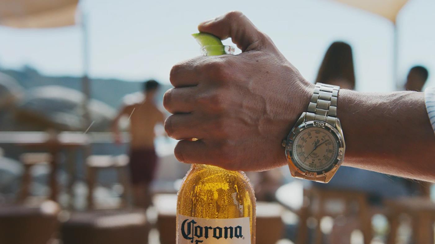 """Corona - """"A Corona Get its Lime"""""""